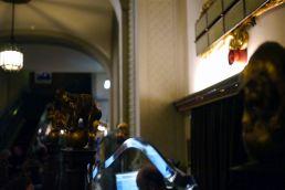 Oberer Abschluss des Kassenhäuschens im Foyer